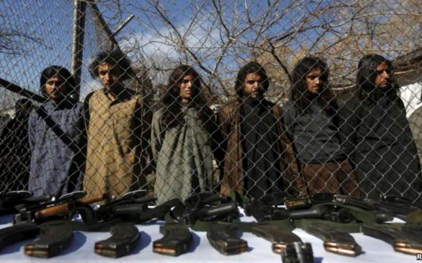 Əfqanıstanda İŞİD terrorçuları Taliban yaraqlılarının başını kəsib