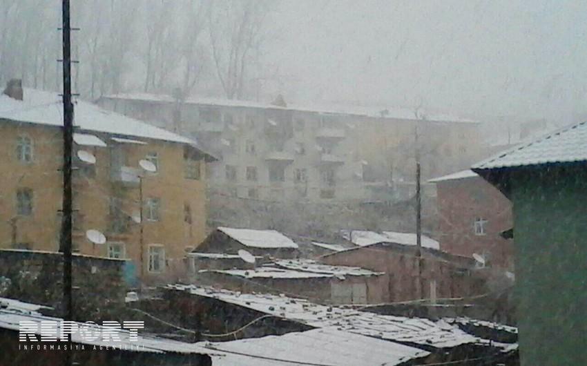 Azərbaycanın qərb rayonlarına qar yağıb - FOTO