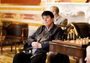 Nona Qaprindaşvilinin 80 yaşı tamam olur