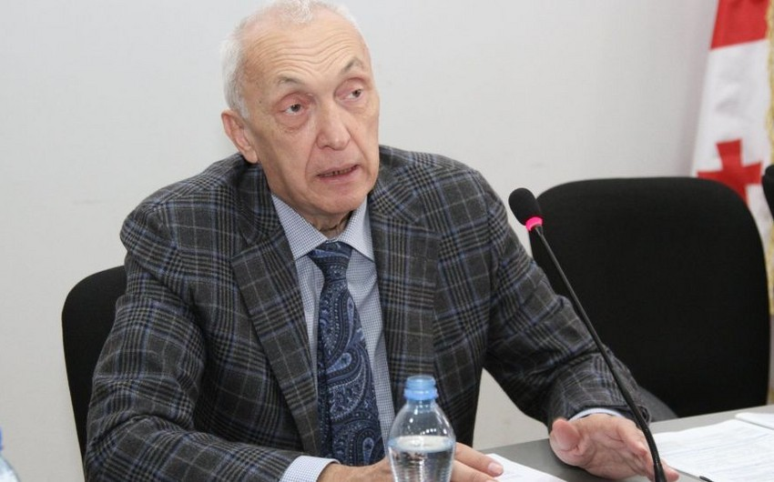 Virusa yoluxan Gürcüstanın baş infeksionistinin vəziyyəti ağırlaşıb