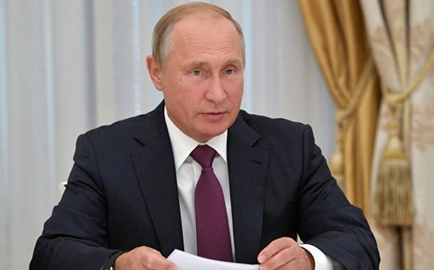 Vladimir Putin: Krımdakı partlayışın səbəbləri ətraflı araşdırılır