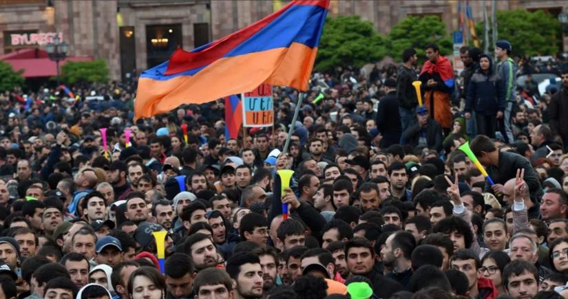 Ermənilər Rusiyanın Yerevandakı səfirliyi qarşısına yürüş edəcəklər