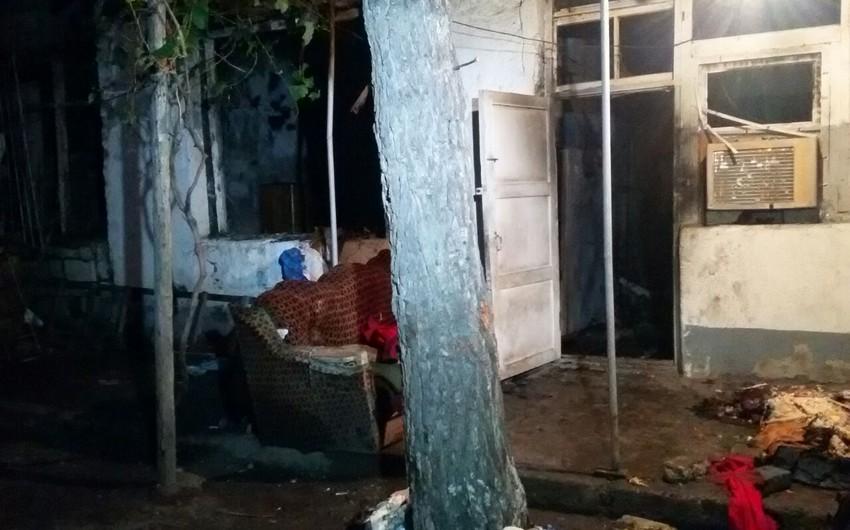 Bərdədə məcburi köçkünün yaşadıgı ev yanıb - FOTO