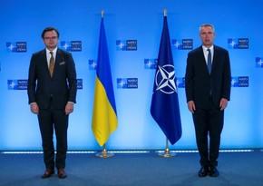 NATO-nun Baş katibi: Rusiya sərhədə hərbçi toplamağa son qoymalıdır