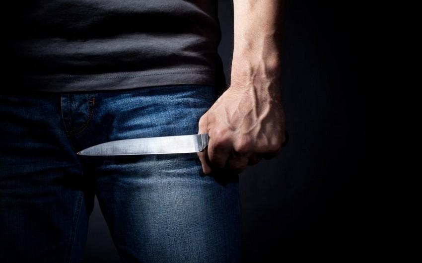 Abşeron sakinini bıçaqla hədələyərək pulunu aparıblar