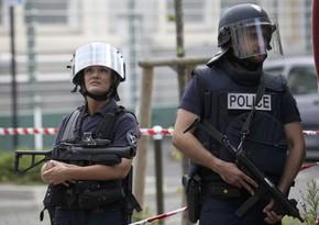 Fransada hücum zamanı 2 nəfər öldürülüb, xəsarət alan var