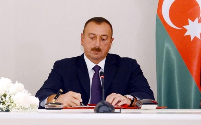 """Prezident İlham Əliyev Yusif Davıdovu """"Əməkdar mühəndis"""" fəxri adı ilə təltif edib"""
