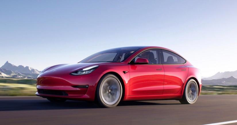 """""""Tesla"""" Çin üçün daha bir elektromobilini təqdim etdi"""