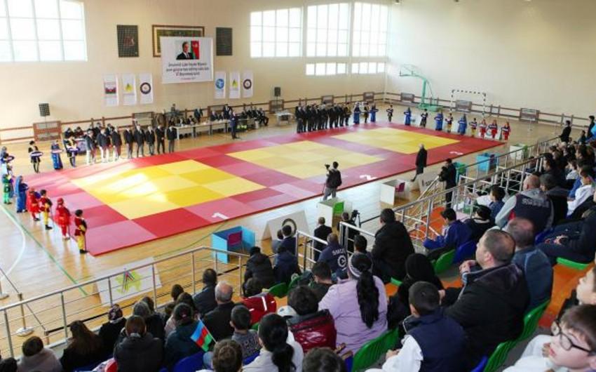 Sumqayıtda ümummilli lider Heydər Əliyevin anım gününə həsr edilmiş cüdo turniri start götürüb