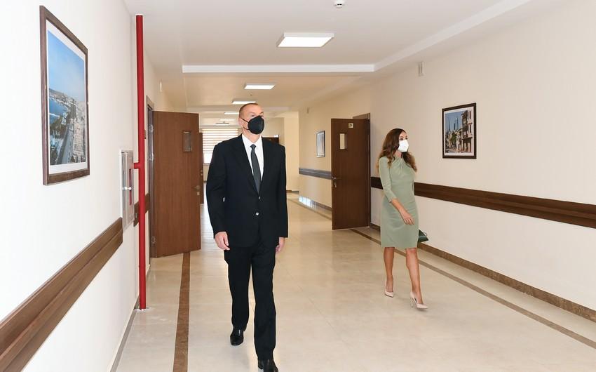 Prezident və birinci xanım məktəb binasının açılışında iştirak ediblər