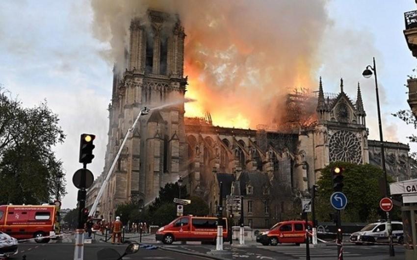 Про пожар в Соборе Парижской богоматери снимут сериал