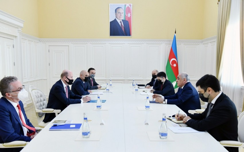 Али Асадов встретился с региональным президентом ВР