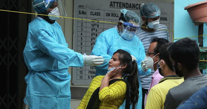 Hindistanda koronavirusa yoluxanların sayı azalıb