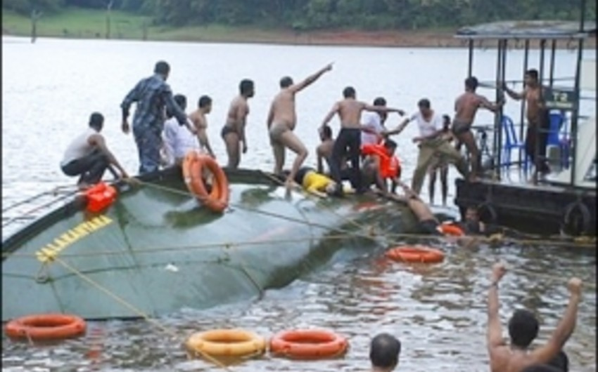 Hindistanda qayığın batması nəticəsində 14 nəfər ölüb