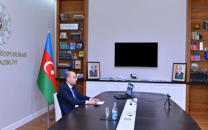 Министр образования Азербайджана провел онлайн-встречу с учителями