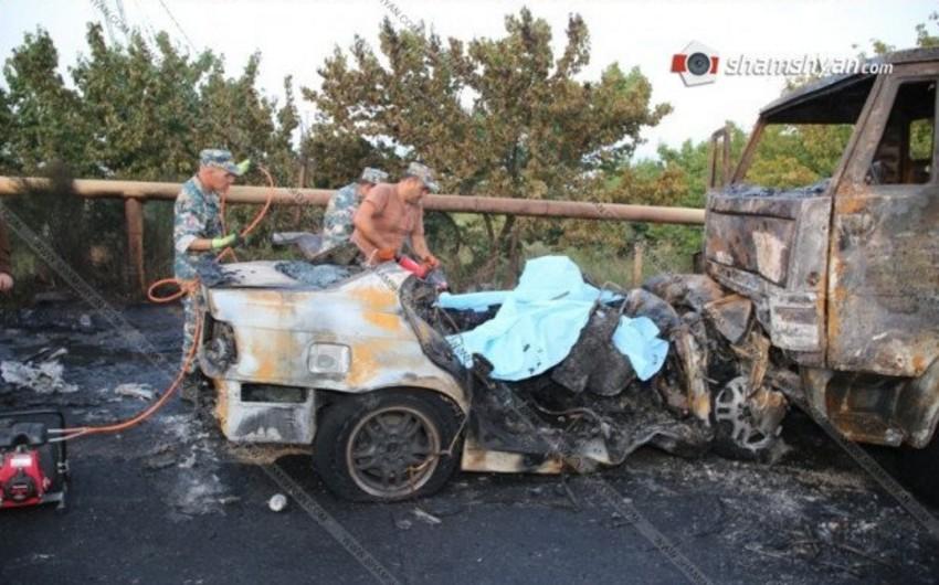 Ermənistanda yol qəzası baş verib,  3 nəfər ölüb, 2-si yaralanıb