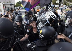 ABŞ-da polis aksiya iştirakçılarını saxlayıb