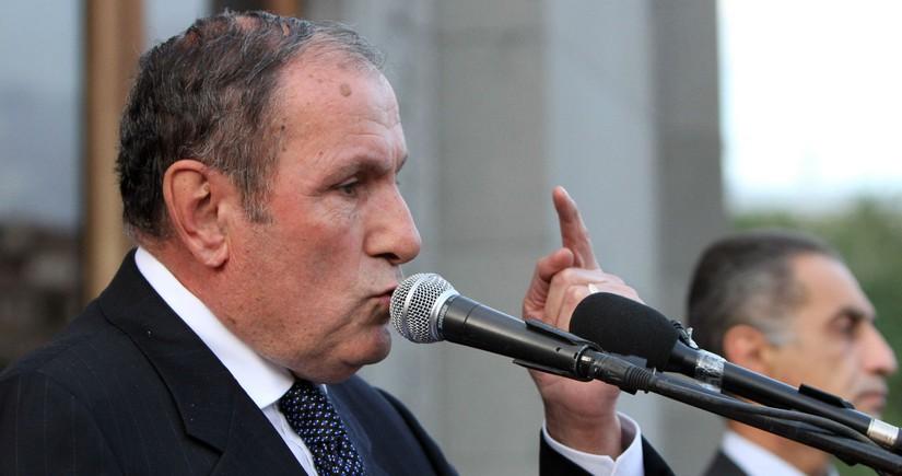 """Levon Ter-Petrosyan: """"Paşinyan ziyanvericidir"""""""