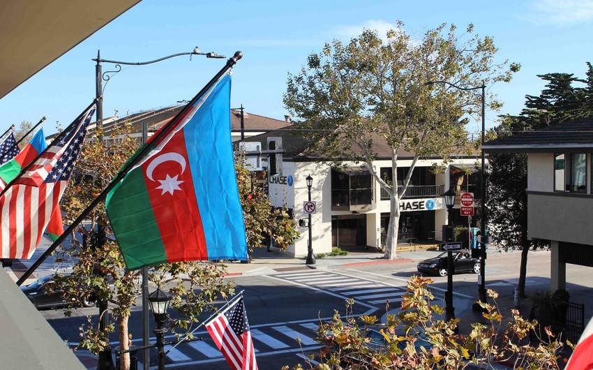 В американском городе Монтерей 9 ноября объявлено Днем государственного флага Азербайджана
