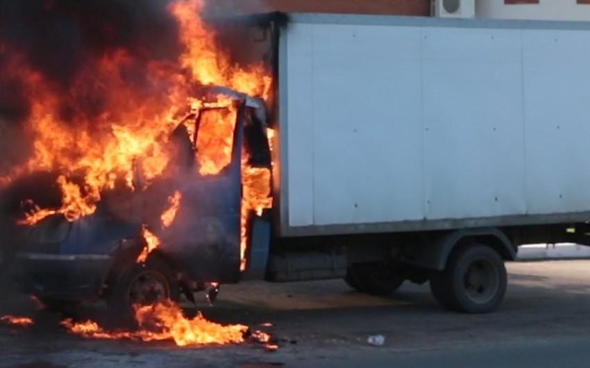 Ucarda yük avtomobilində baş verən yanğın söndürülüb - YENİLƏNİB