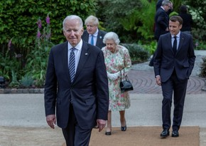 Байден нарушил королевский протокол на саммите G7