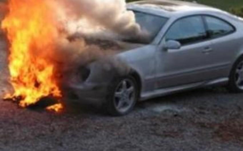 Siyəzəndə minik avtomobili yanıb