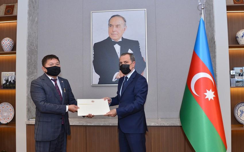 Ceyhun Bayramov Qırğızıstanın Azərbaycandakı yeni səfiri ilə görüşüb