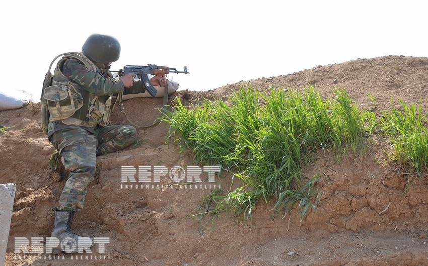 Ermənistan artilleriya qurğuları və tanklardan mövqelərimizi atəşə tutub