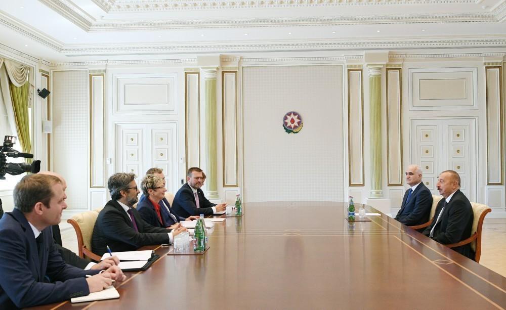 Президент Ильхам Алиев принял министра промышленности и торговли Чехии - ОБНОВЛЕНО