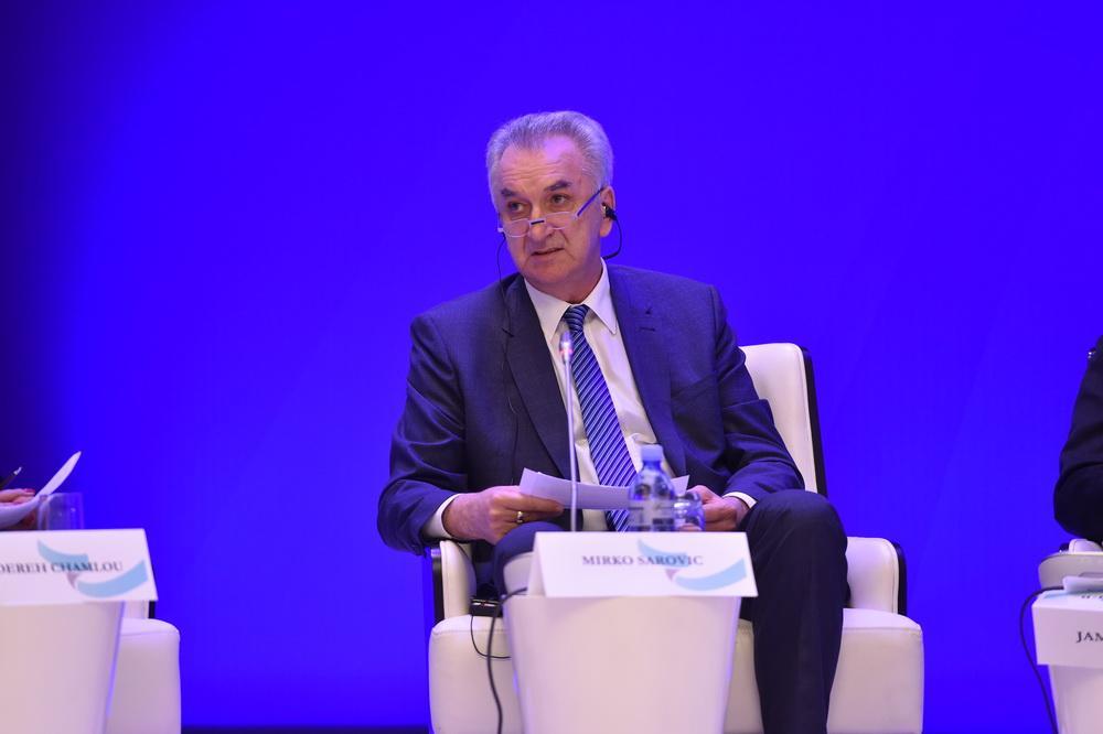 VI Qlobal Bakı Forumunda iqtisadi inkişafın ətraf mühitin deqradasiyasına təsiri mövzusu müzakirə edilib