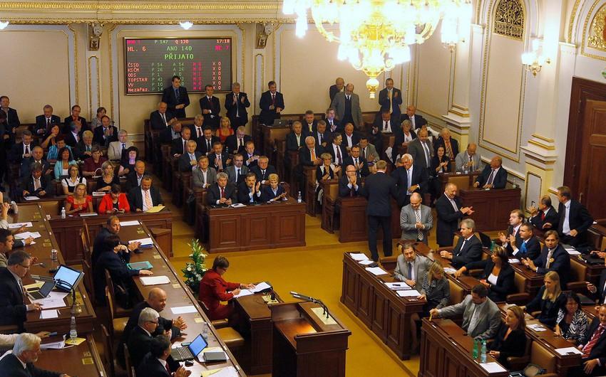 Çex parlamenti Babiş hökumətinə etimadsızlıq göstərmədi