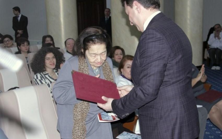 Mustafa Topçubaşovun qızı vəfat edib