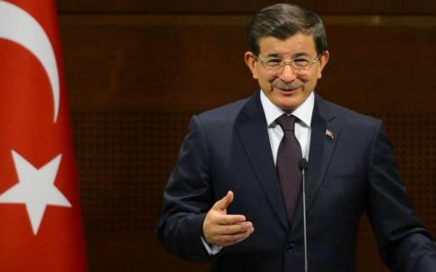 Türkiyə hökuməti birillik fəaliyyət proqramını açıqlayıb
