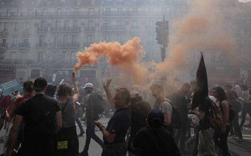 Parisdə keçirilən etiraz aksiyasında 32 nəfər saxlanılıb