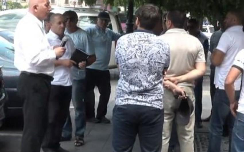 Ermənistanda avtomobil idxalatçıları etiraz aksiyası keçirib