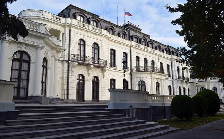 Rusiyanın 54 diplomatı Çexiyanı tərk edib