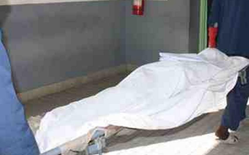 Bakıda küçədə pilləkənlərdən yıxılan kişi ölüb