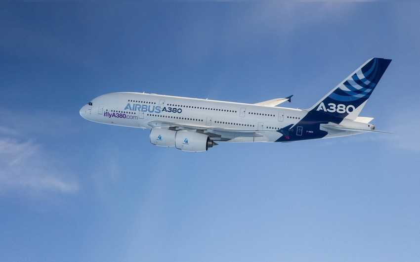 """""""Airbus"""" sonuncu nəhəng """"A380"""" təyyarəsini istehsal edib"""