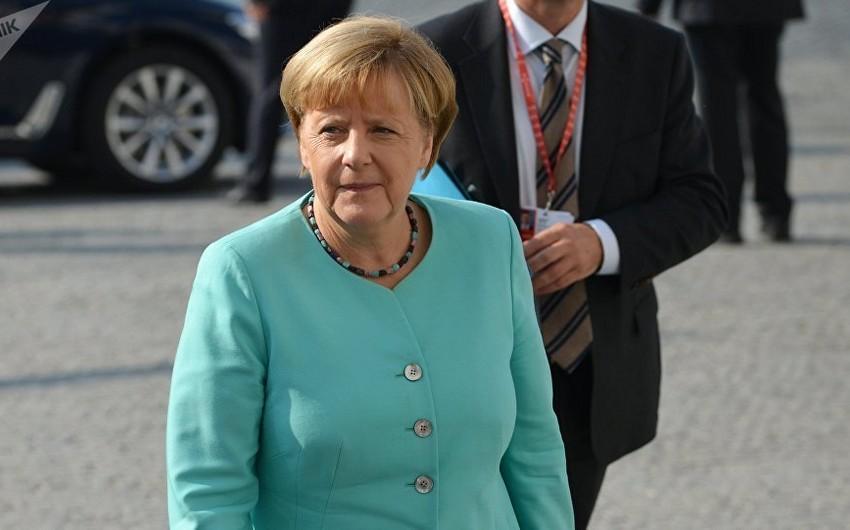 Angela Merkelin Cənubi Qafqaz regionuna rəsmi səfəri başlayıb