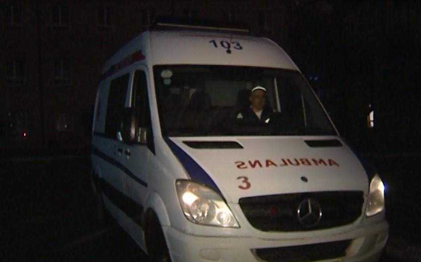 Hacıqabulda minik maşını ilə mikroavtobus toqquşub: 1 ölü, 1 yaralı