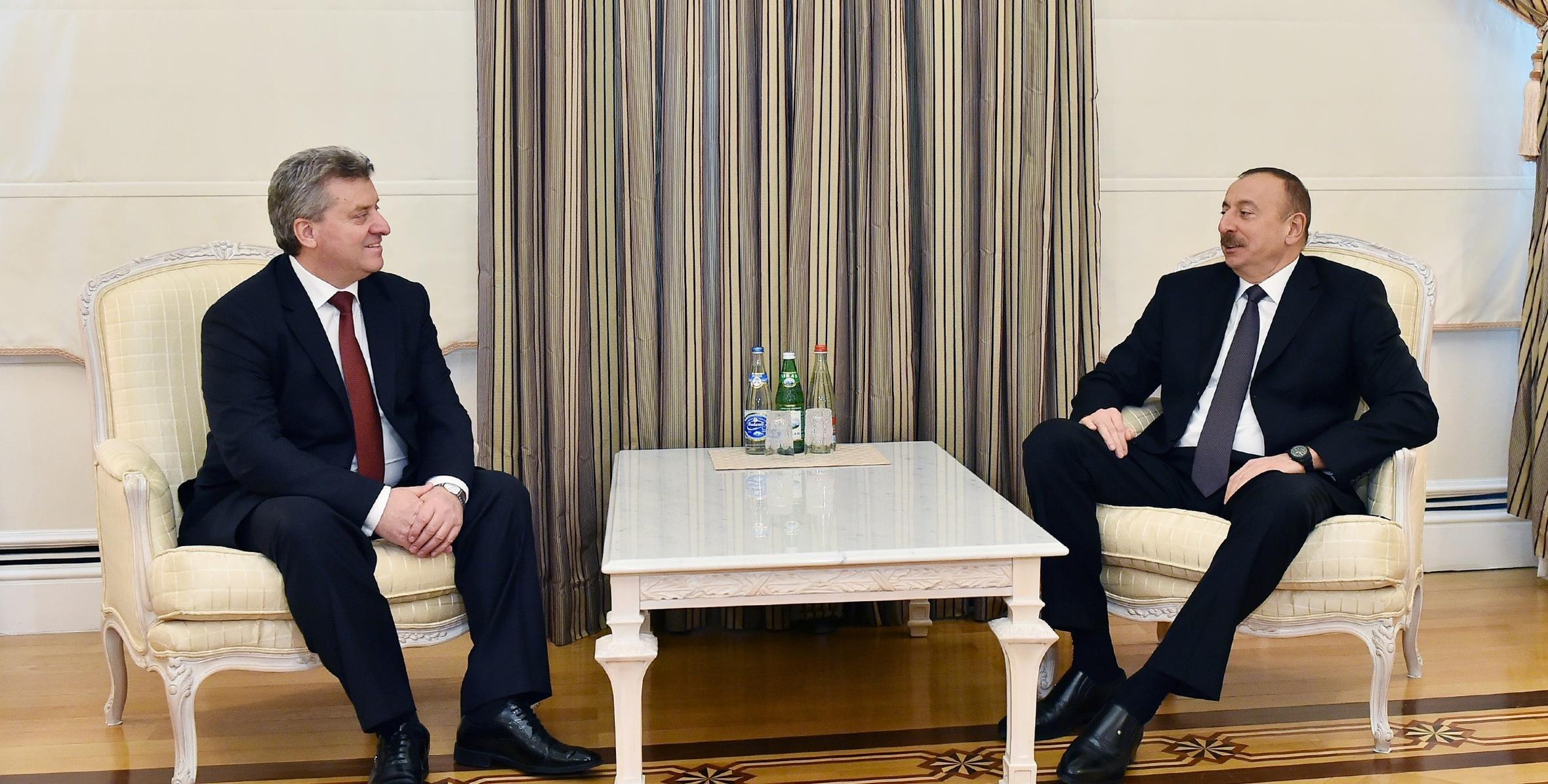 Президент Македонии поздравил Ильхама Алиева