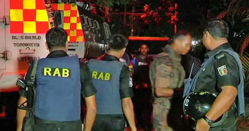 Banqladeş polisi etirazçılara atəş açıb, ölən və yaralananlar var