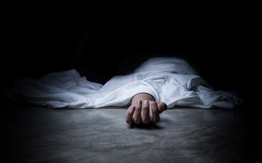 Bakıda 56 yaşlı kişi özünü doğrayaraq intihar edib