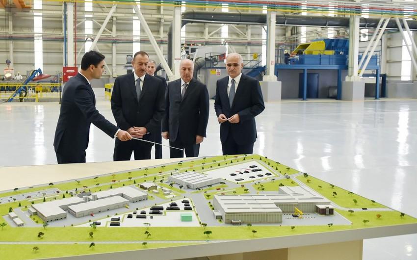 İlham Əliyev Sumqayıtda iki zavodun açılışında iştirak edib