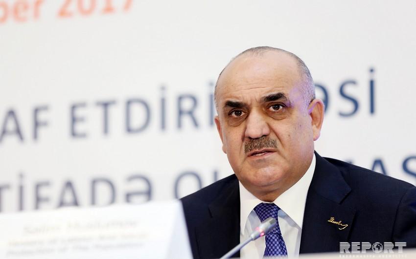 Azərbaycanda işləyən qadınların sayı açıqlanıb