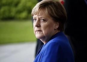 Merkel Almaniyada COVID-19-dan kütləvi vaksinləmənin müddətini açıqlayıb
