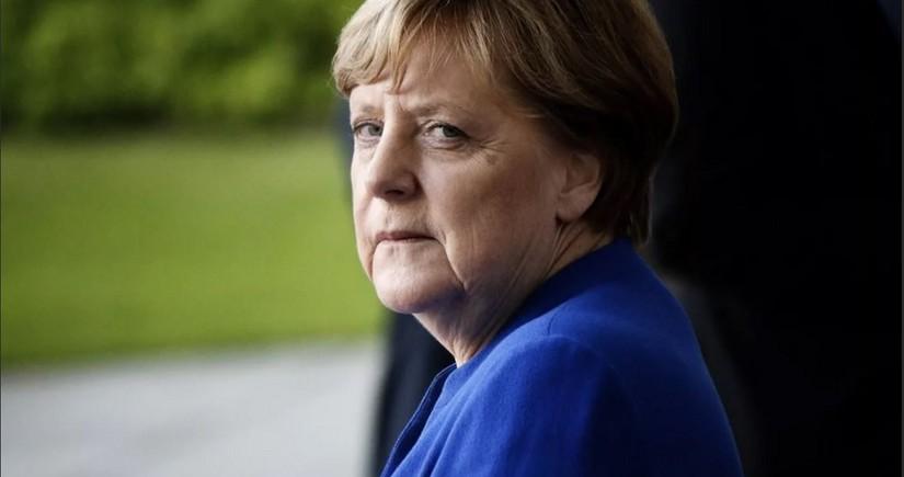 Меркель пообещала массовую вакцинацию от COVID-19 к концу лета