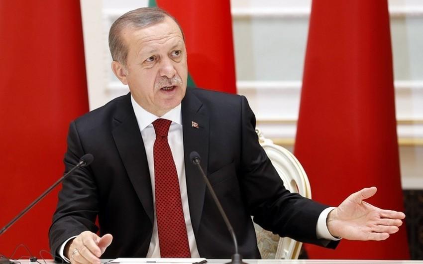 Эрдоган заявил, что Турция не обеспокоена угрозами санкций и продолжит операцию в Сирии