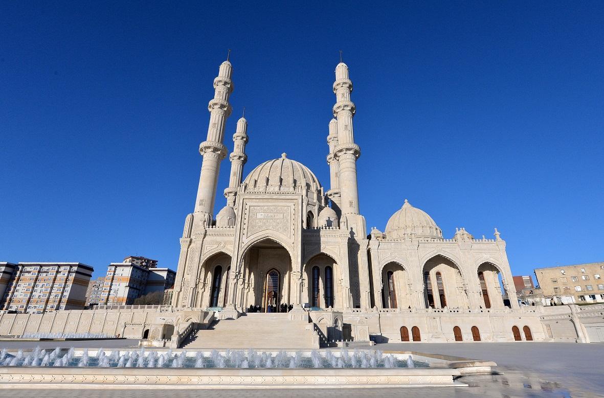 При мечети Гейдар будет создано медресе