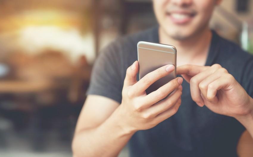 10 haldan 9-da smartfonu səbəbsiz yerə götürürük